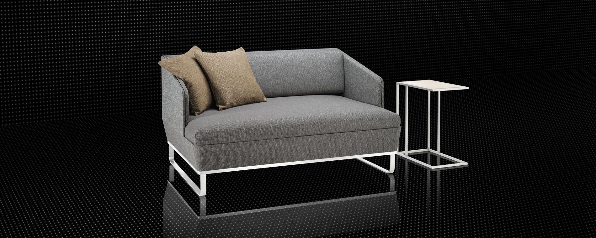 Das kompakte Schlafsofa Duetto-Deluxe von Swiss Plus in grau mit einem Clubtisch.